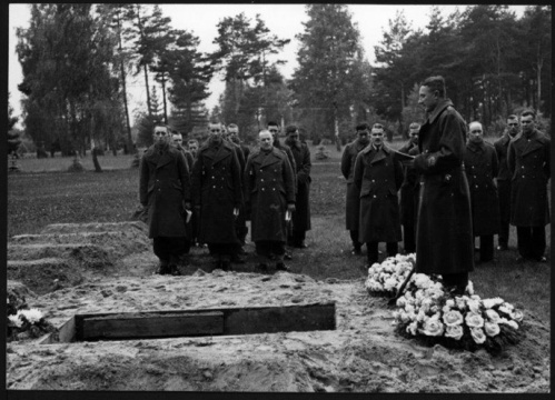 LuckyShilling_Stalag_grave_thumb7